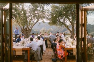 What to Bring to an Outdoor Wedding: Wedding Party Edition